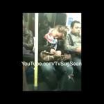 """Loira dorminhoca, """"sonha"""" e agarra desconhecido no metrô"""