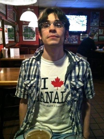 O perigo de usar roupas do Canadá...